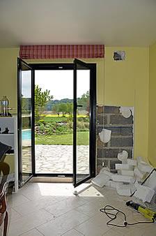 la terrasse dans le prolongement de la pi ce de vie un art de vivre. Black Bedroom Furniture Sets. Home Design Ideas